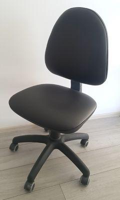 Vrtljivi pisarniški stol - um. usnje